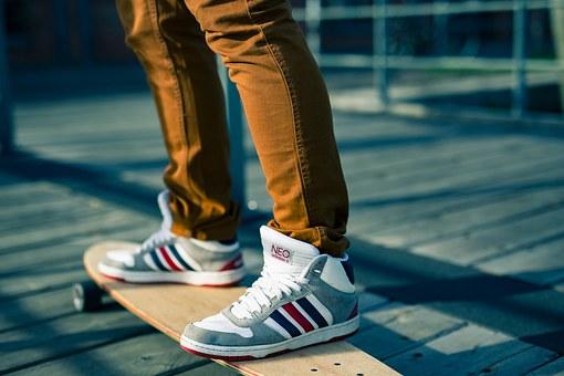 Le skate électrique, pour des balades moins fatiguantes