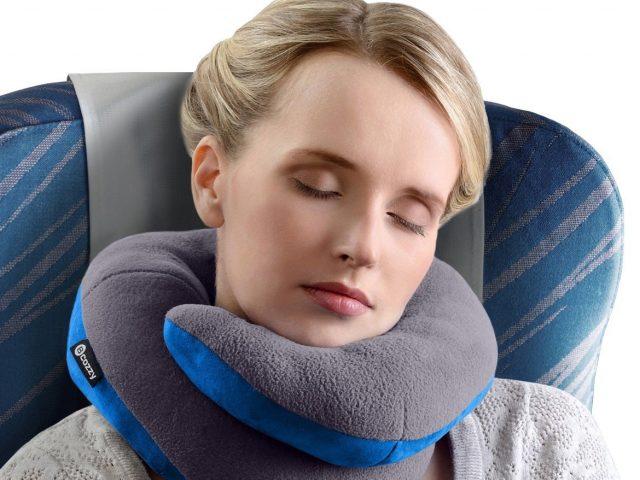 L'oreiller de voyage, un équipement destiné à soulager vos douleurs cervicales et autres pendant le voyage